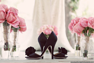pink rose bouquet black shoes