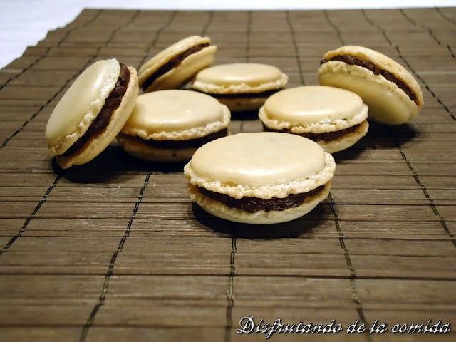 Macarons con Ganache de Chocolate y Naranja