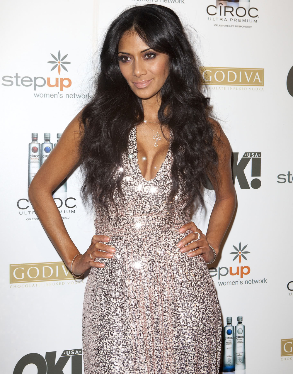 Nicole Scherzinger Long Curly Hairstyles 03