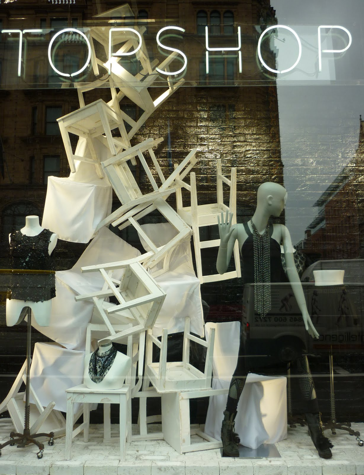 what is visual merchandising What is visual merchandising, display and store design every shop, department store, supermarket and boutique is designed and set out in a certain way.