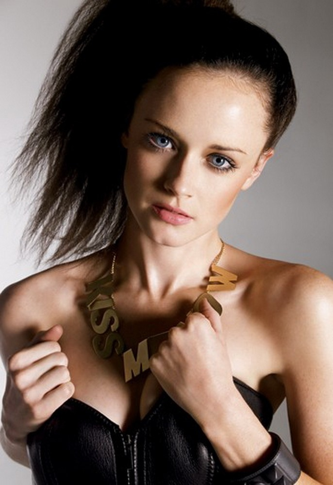 Star 10 Alexis Bledel Wallpapers Photos Pictures Amp Images