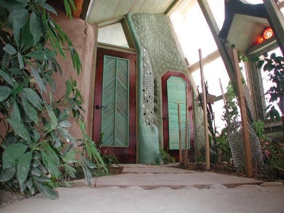 Moon to moon earthships for Interior garden house