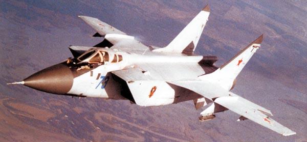 موسوعة اجيال الطائرات المقاتلة واشهر طائرات كل جيل - صفحة 10 MIG-31+FOXHOUND+%25283%2529