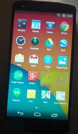 Con android 4.4 KitKat il menu delle applicazioni cambia: niente sfondo nero e icone più grandi