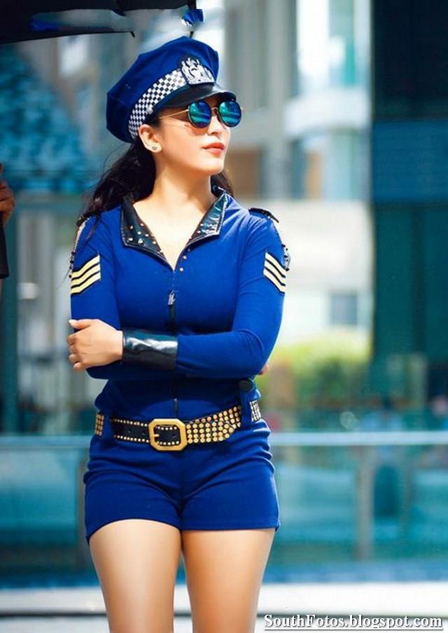 Shruti Haasan Sexy Pics