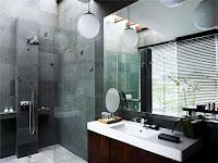 Decoracion de baño lujoso y ducha con cerámica gris con manchas negras