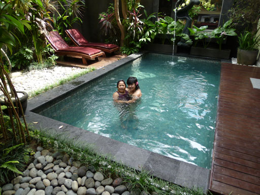 Piscina de Villa Sara (mi hija) en Bali