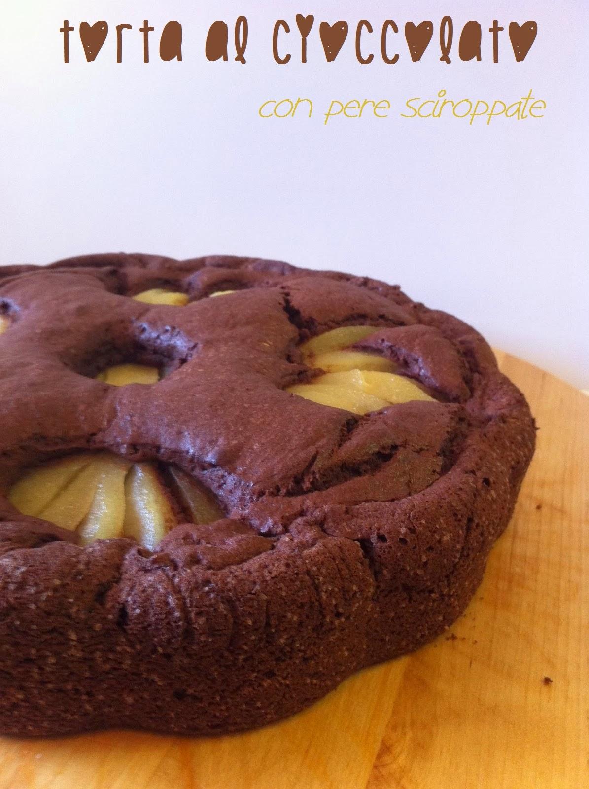 torta al cioccolato con pere sciroppate