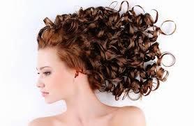 Tips Kecantikan Merawat Rambut Keriting Dengan Benar
