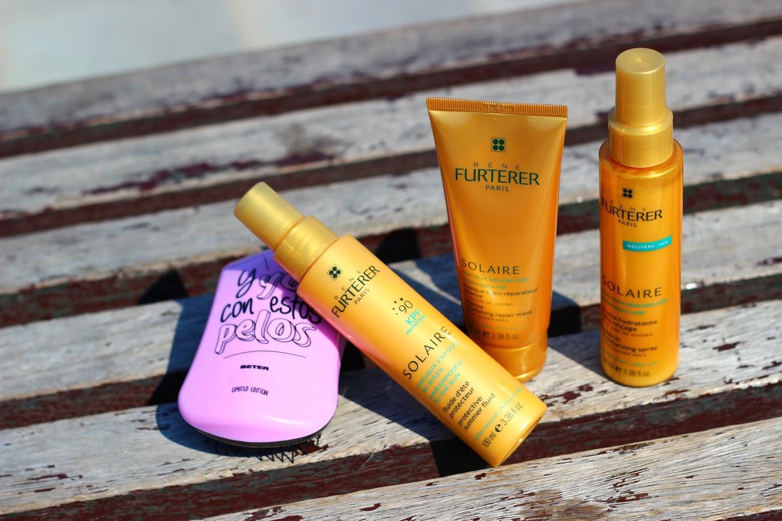 La máscara para los cabellos con la miel y la vitamina в1