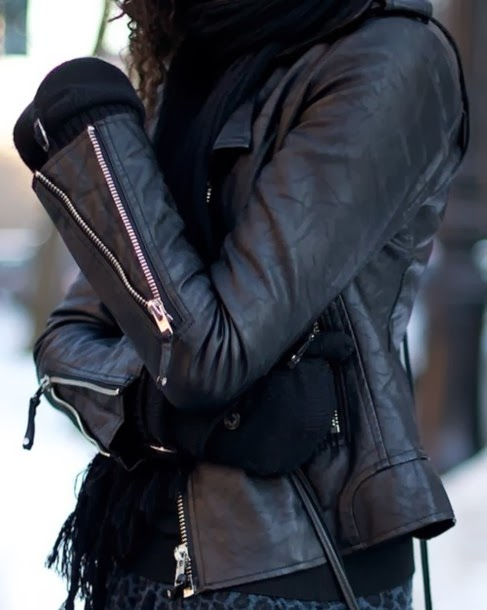 STREET STYLE INSPIRATION; LEATHER.-