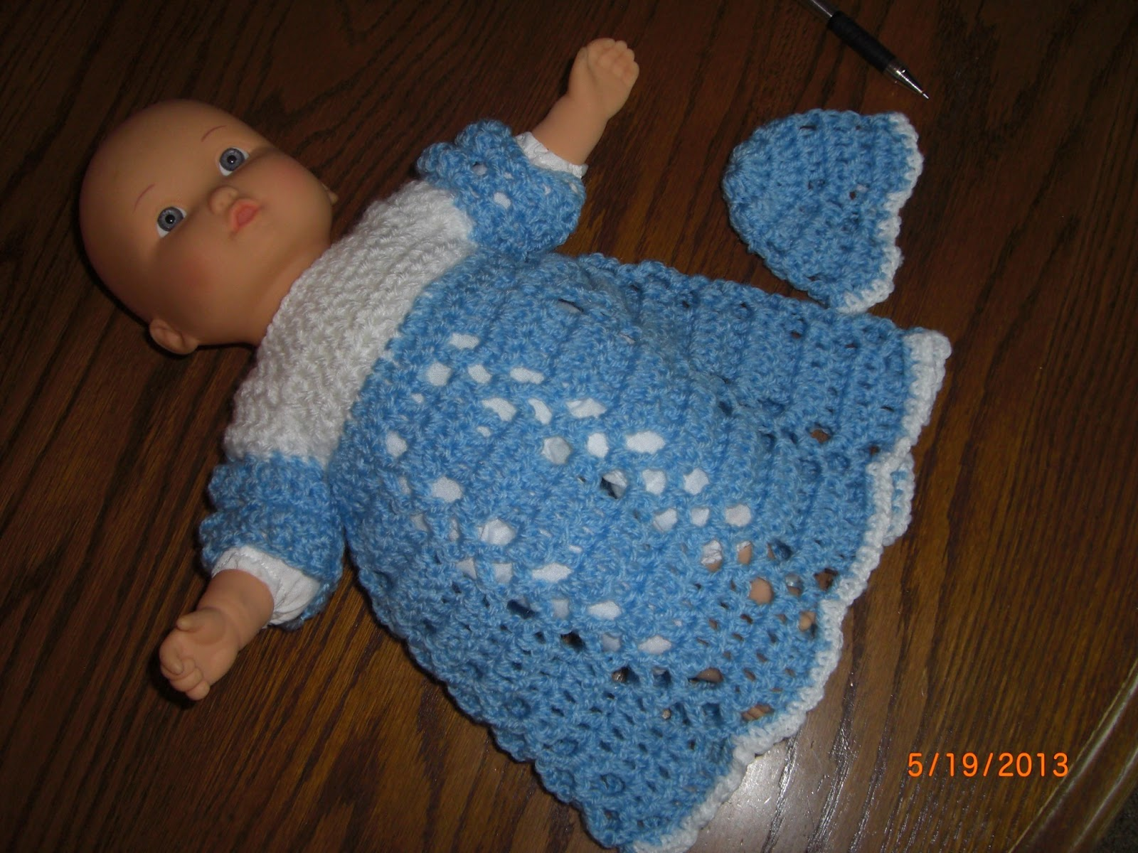 Preemie Hat Project: Boy\'s Gown Preemie