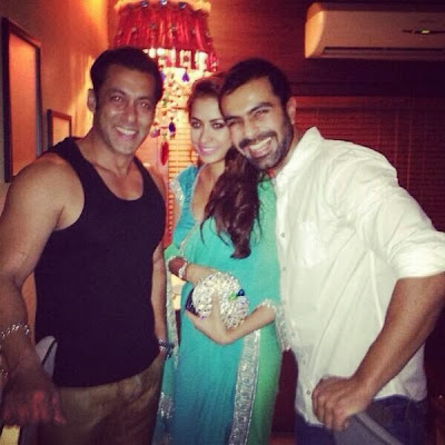 Photos: Salman Khan at a Diwali Bash