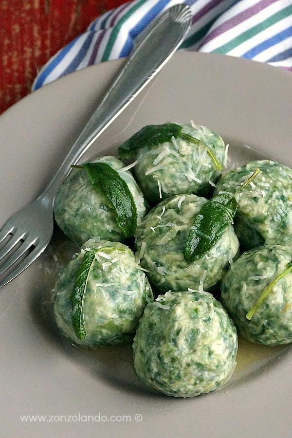Gnudi toscani con burro e salvia ricetta facile e della tradizione typical toscan dish ricotta and spinach light gnocchi
