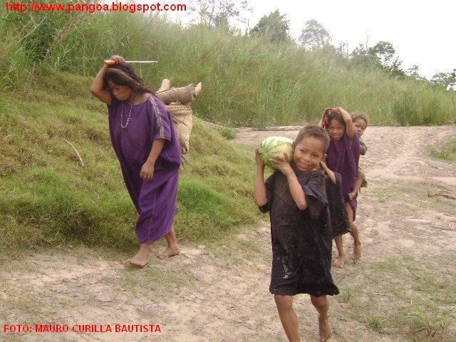Nativos de la margen derecha del rio Ene pangoa