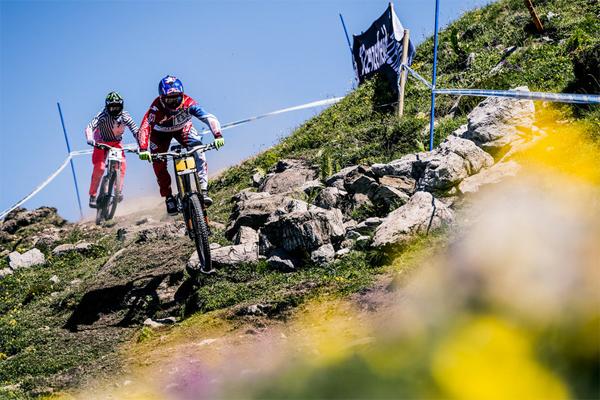 2015 Lenzerheide UCI World Cup Downhill: Practice Highlights