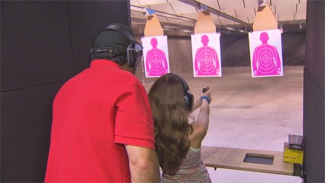 Tiro ao alvo no Stone Hart's Gun Club Indoor Range  em Miami