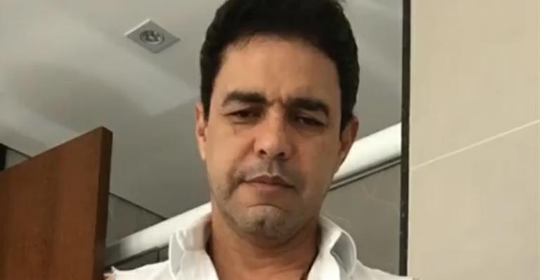 """Zezé di Camargo se assusta com conta de R$ 5 mil na balada: """"Exploração total"""""""