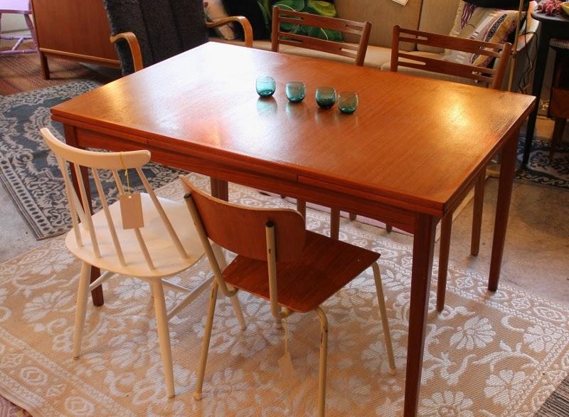 Matbord För 10 Personer : Butiken blue corner matbord i teak