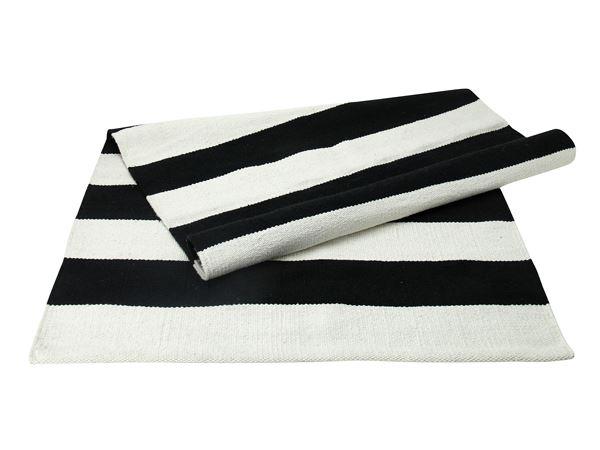 sort hvid stribet tæppe