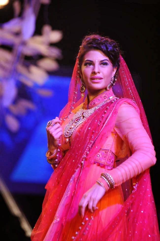 Jacqueline Fernandez at Lakme Fashion Week 2014