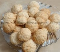 Coconut Vanilla Macaroons and food fiction