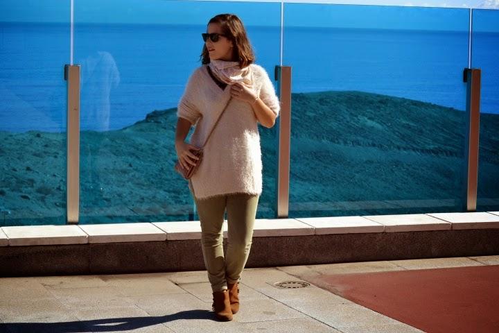 look_outfit_botines_DIY_purpurina_jersey_pelo_lolalolailo_06