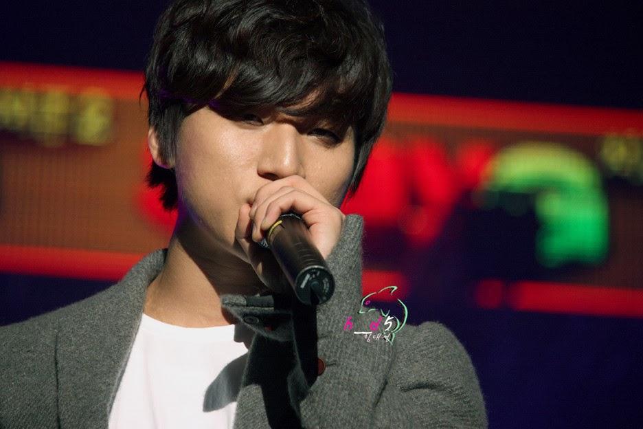 http://4.bp.blogspot.com/-kjmELQ67R84/TvMAvB2UjEI/AAAAAAAAPOo/sFthVYDxTTc/s1600/Daesung_030.jpg