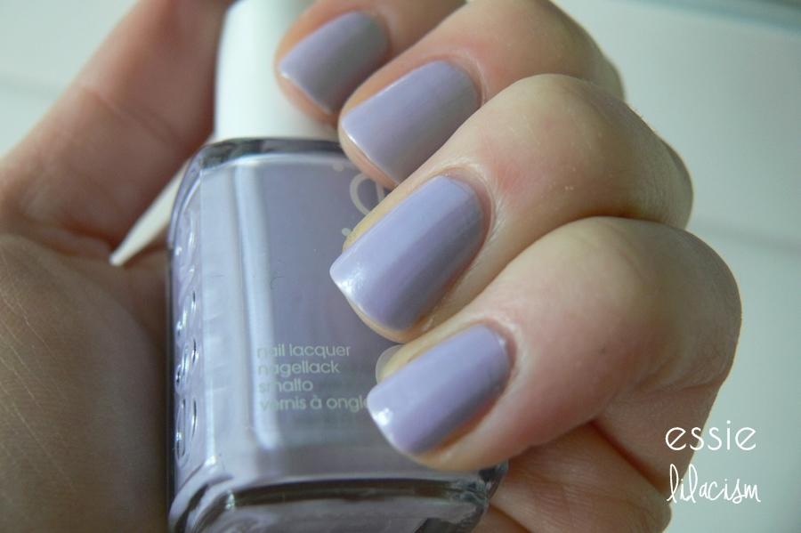 lakier do paznokci Essie, lilacism kolor