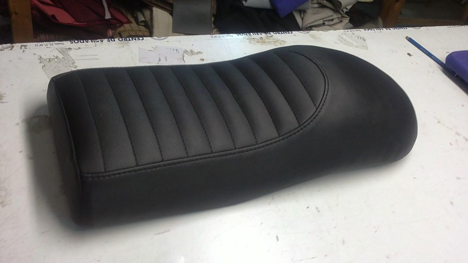 Tap zame asientos de moto artesanales for Tapiceria de asientos de moto