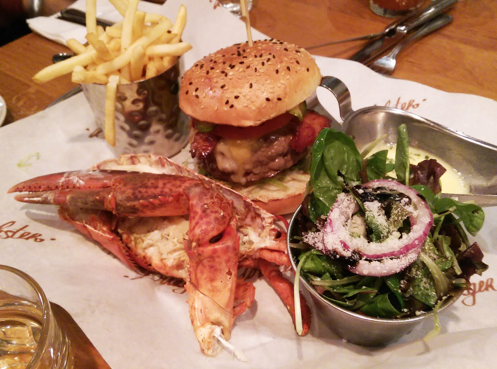 Food and Drinks Noob: Burger and Lobster