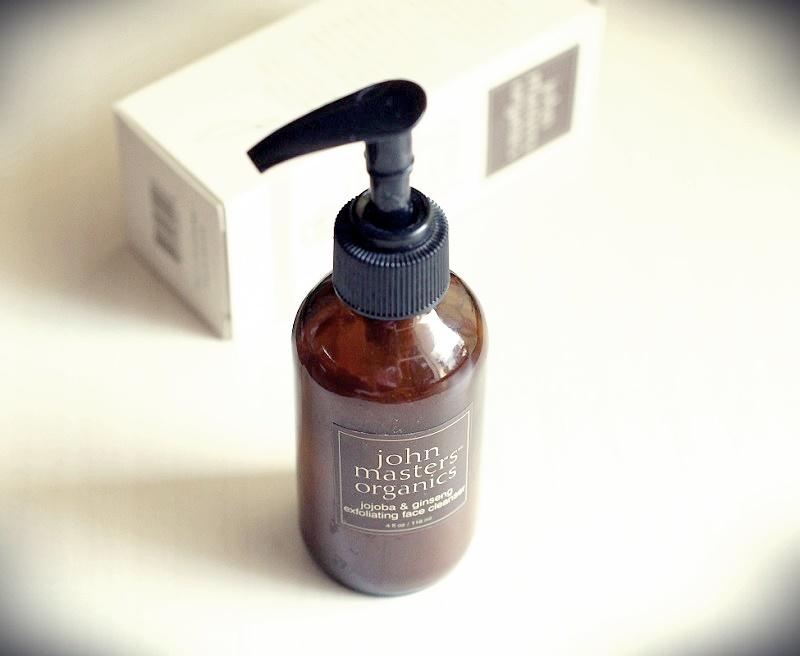Złuszczający żel do mycia twarzy z jojobą i żeń-szeniem/ John Masters Organics.