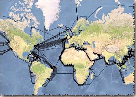 Cables de fibra óptica que enlazan los países