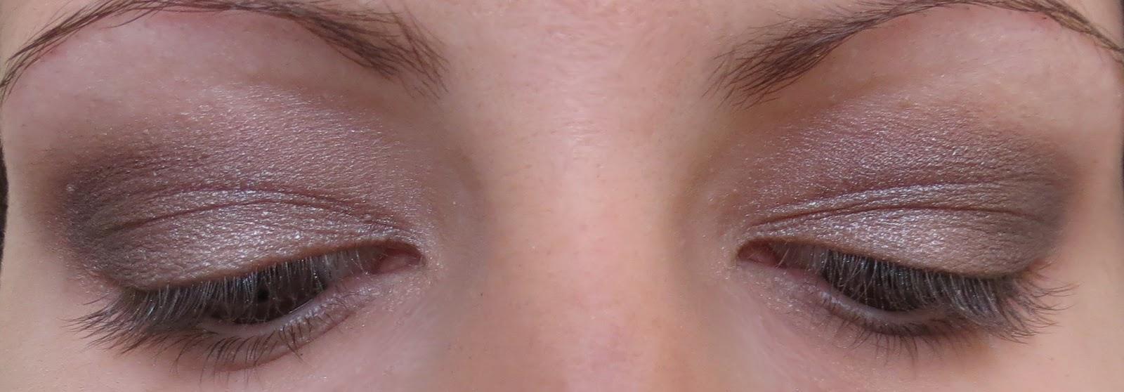 L 39 univers d 39 am lie maquillage brun avec sleek - Porte pinceau maquillage ...