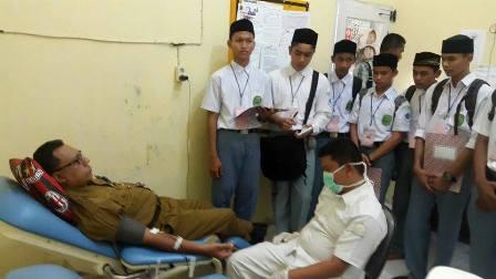 Siswa MAN Insan Cendekia Observasi ke Rumah Sakit