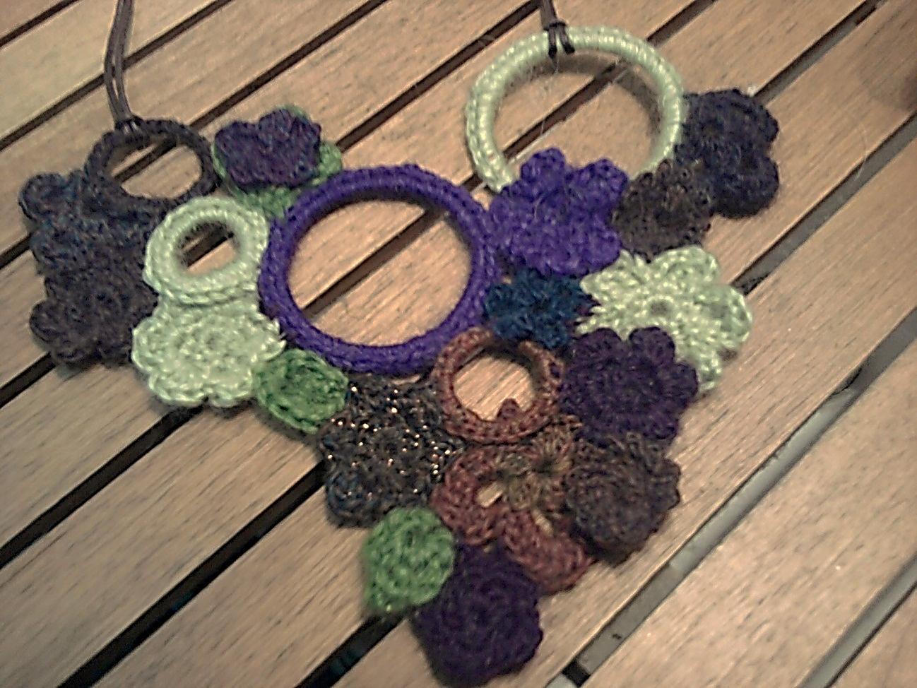 Ganchillo y m s cosas collares de flores crochet 2 - Cosas a ganchillo ...