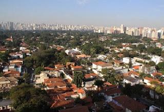 Se você quer um bairro que seja perto dos principais atrativos culturais de São Paulo, esse é que você procura. Além de estar do lado do Museu de Arte de São Paulo (MASP), que tem a maior coleção de arte europeia na América Latina, cinemas, teatros, o bairro fica próximo ao Parque do Ibirapuerae tem o Parque Trianon, um espaço preservado da mata atlântica emmeio aos prédios. É como ter tudo num lugar só: trabalho, cultura, lazer, e espaços ao ar livre para curtir a natureza.
