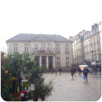 Place-du-Commerce-Bourse-FNAC-Nantes