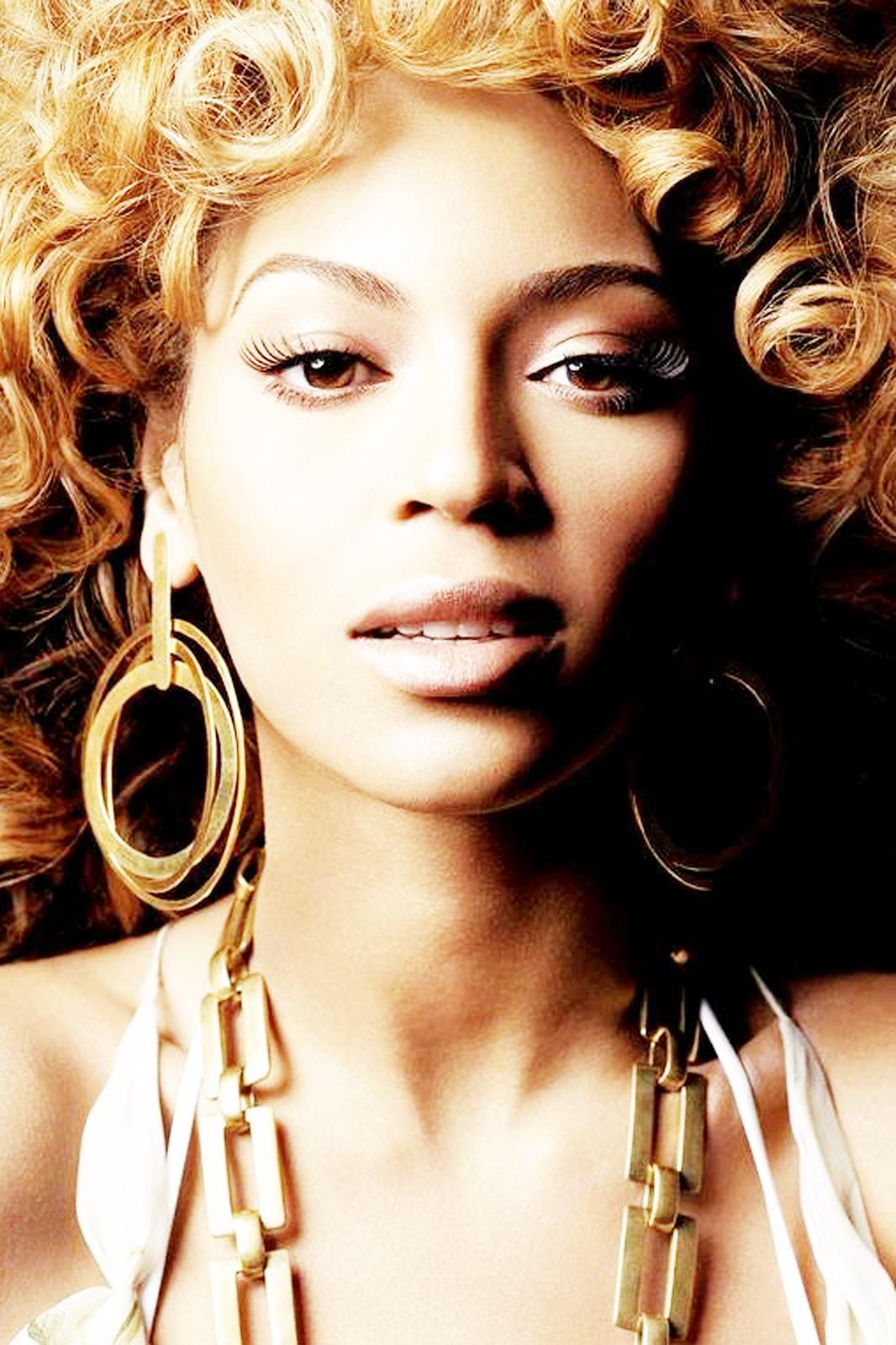 http://4.bp.blogspot.com/-klKbrAmyvRE/UAlBrF-Z5UI/AAAAAAAACYI/oehO-4MiQQw/s1600/Beyonce-Biography-1.jpg