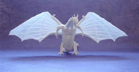 Origami dragão com asas