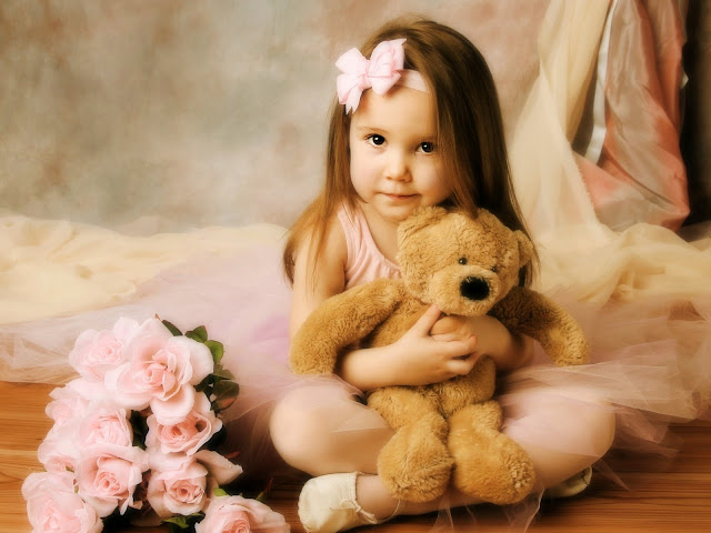 Cute Girl With Her Teddy Bear HD Wallpaperz ajkqlso