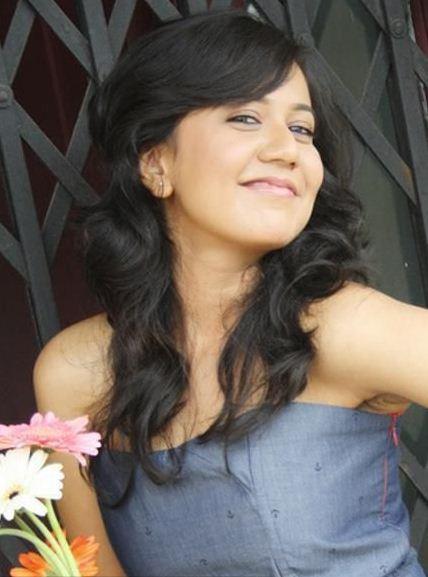 hindi zee tv serial actor gunjan sexy images ~ Actress Wallpapers ...