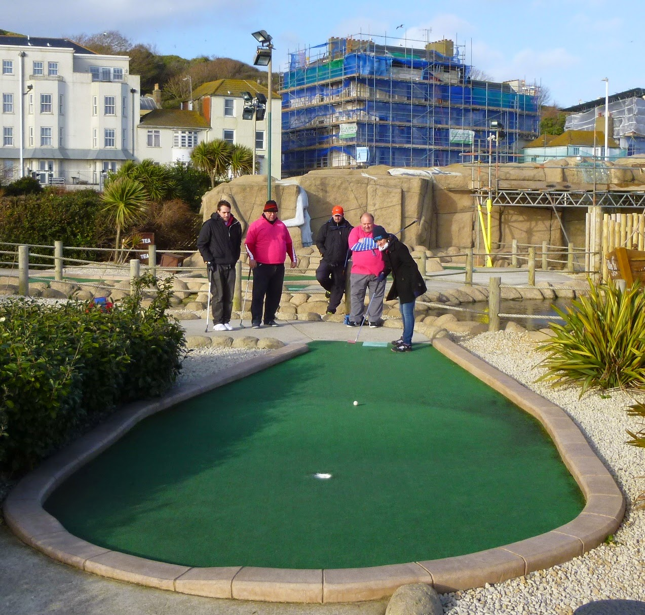 Emily Gottfried playing the 6th hole of the Pirate Golf course in Hastings during the sudden-death play-off against the Sussex Wasps