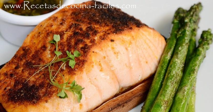Salmon asado al horno con jugo de pi a recetas de cocina for Como se cocina el salmon