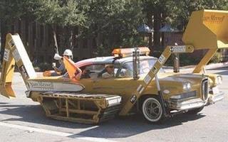 Carros Diferentes e Bizarros Que Chamam Atenção #3