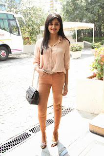 Vimala Raman Latest Pictures in Jeans at Trendz Life Style Expo 2014 Inauguration  004.JPG