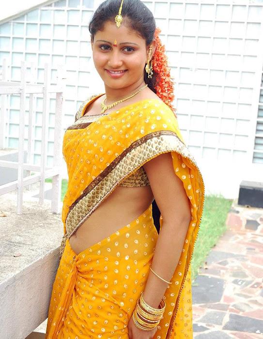 amrutha valli beautiful saree glamour  images