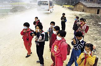 تغيرات المناخ العالمى نتيجة الغازات والعوادم تطرح مخاطر صحية عديدة