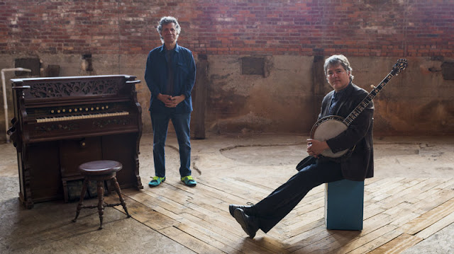 """It's like a friendly, very fast-moving ping-pong game."" (Chick Corea over zijn samenwerking met Béla Fleck)"