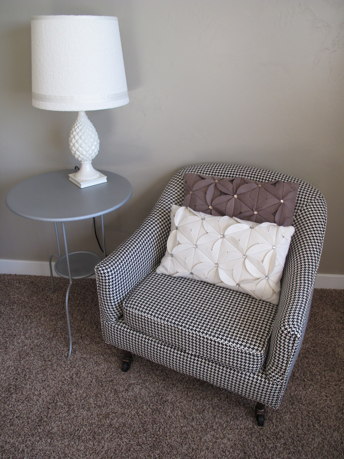 Little Miss Penny Wenny Little Houndstooth Chair